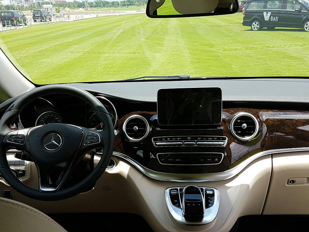 Mercedes V250 2017 – Giá tốt tại Phú Mỹ Hưng